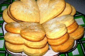 Быстрое и вкусное сметанное печенье понравится Вашей семье непременно.